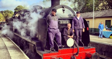 Driver Matt Fisher, Owners Representative Jack Haynes and Fireman James Ardin on the front of 31806 at Pickering on 27/09/15.