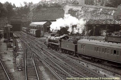 31625 passes Guildford shed